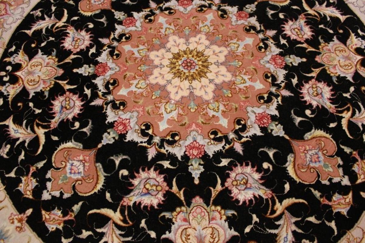 perserteppich taabriz rund mit seide 150x150 cm orient teppich. Black Bedroom Furniture Sets. Home Design Ideas